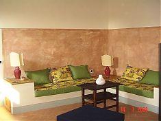 Gemütliches Sofa im Apartment Falco
