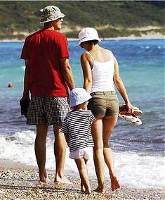 Gemütlicher Strandspaziergang in Chalkidiki