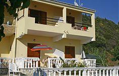 Ferienwohnungen Katherina mit direktem Meerblick in die Bucht von Agios Georgios auf Korfu