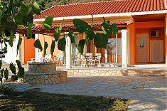 Terrasse und Garten im Ferienhaus Kristina
