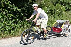 Biken fuer die ganze Familie mit Kinderanhaenger und Add-Bike